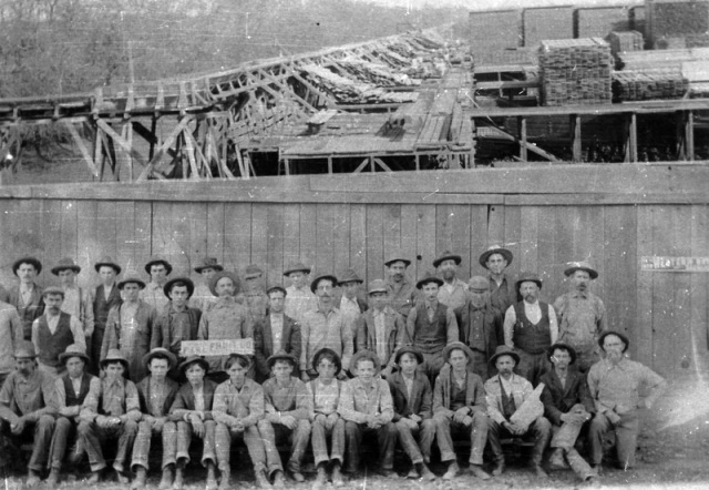 Sierra_Lumber_Company_flume_at_Chico